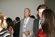Peter Snow, Work by Mexican artist, Gabriel Orozco. Gallery opening & private view at new White Cube space, 25-26 Mason's Yard, London and afterwards at Claridges. London. 27 September 2006. <br />