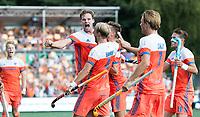 AMSTELVEEN -  Vreugde Mirco Pruyser (Ned)  heeft de stand op 2-2 gebracht tijdens  de finale (heren) Belgie-Nederland (2-4) bij de Rabo EuroHockey Championships 2017.  rechts Billy Bakker (Ned) en Jorrit Croon (Ned), Bjorn Kellerman (Ned) .  COPYRIGHT KOEN SUYK