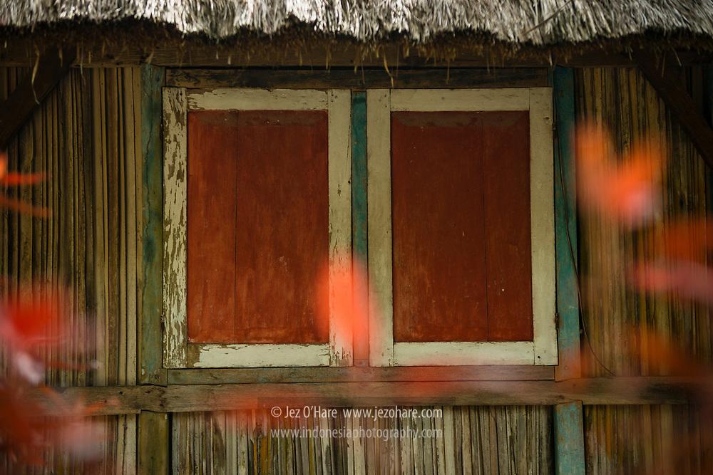 Rumah Tamu dengan dinding gewang, Kerajaan Boti, Kabupaten Timor Tengah Selatan, Pulau Timor, Nusa Tenggara Timur, Indonesia