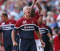 Photo: Lee Earle.<br /> Charlton Athletic v Sheffield Wednesday. Coca Cola Championship. 25/08/2007.Charlton manager Alan Pardew shows his delight in the win at the end of the match.
