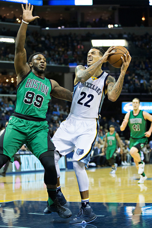MEMPHIS, TN - JANUARY 10:  Matt Barnes #22 of the Memphis Grizzlies tries to drive to the basket against Joe Crowder #99 of the Boston Celtics at the FedExForum on January 10, 2016 in Memphis, Tennessee.  The Grizzlies defeated the Celtics 101-98.  NOTE TO USER: User expressly acknowledges and agrees that, by downloading and or using this photograph, User is consenting to the terms and conditions of the Getty Images License Agreement.  (Photo by Wesley Hitt/Getty Images) *** Local Caption *** Matt Barnes; Joe Crowder