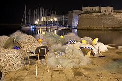 Reti da pesca lasciate per la notte al porto di Gallipoli (LE)