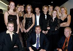 08-10-2006 VOLLEYBAL: GALA 2006: DOETINCHEM<br /> In de schouwburg van Doetinchem werd het volleybalgala 2006 gehouden / Team Wiechers DOK<br /> ©2006-WWW.FOTOHOOGENDOORN.NL