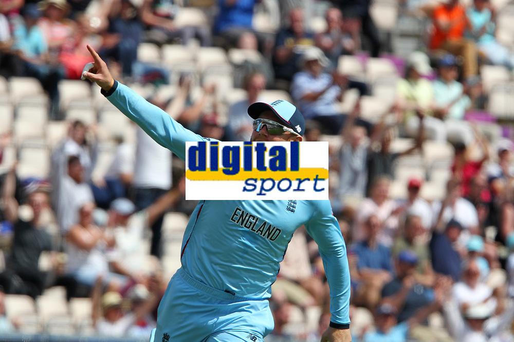 Cricket - 2019 ICC Cricket World Cup warm ups - England vs. Australia<br /> <br /> Englands Jonny Bairstow celebrates the catch of David Warner at the Ageas Bowl Southampton England<br /> <br /> COLORSPORT/SHAUN BOGGUST