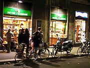 Gruppo di ciclisti in via Solferino a mIlano..Group of cyclists on Via Solferino in Milan