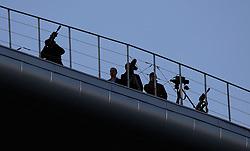 June 16, 2017 - Policias russos sao vistos com armas sobre a estrutura do teto do estadio Krestovsky que sera palco de abertura e encerramento da para Copa das Confederacoes Russia 2017 realizada em Sao Petersburgo, Moscou, Kazan e Sochi. (Credit Image: © Rodolfo Buhrer/Fotoarena via ZUMA Press)