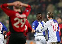 Fotball<br /> 14.02.2007<br /> Foto: Witters/Digitalsport<br /> NORWAY ONLY<br /> <br /> 3:2 Jubel v.l. Shabani Nonda, Stephane Henchoz Rovers<br /> UEFA-Cup Bayer 04 Leverkusen - Blackburn Rovers 3:2