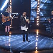 NLD/Hilversum/20151211 - 2e Liveshow The Voice of Holland, TVOH, Ivan Peroti