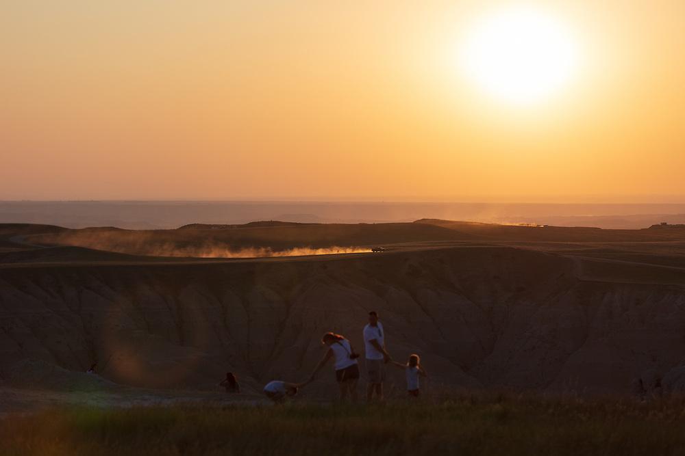 https://Duncan.co/sunset-at-pinnacles-overlook