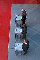 12 NOV 2003, BERLIN/GERMANY:<br /> Edmund Stoiber (Oben), CSU, Ministerpraesidnet Bayern, Angela Merkel (M), CDU Bundesvorsitzende, und Guido Westerwelle (Unten), FDP Bundesvorsitzender, waehrend einer Pressekonferenz zu dem vorangegangenen  Spitzentrfffen von Politiker der CDU/CSU und der FDP, axica Kongress- und Tagungszentrum<br /> IMAGE: 20031112-01-034<br /> KEYWORDS: Opposition, Spitzengespraech