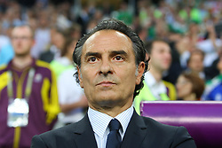 18.06.2012, Staedtisches Stadion, Posen, POL, UEFA EURO 2012, Italien vs Irland, Gruppe C, im Bild TRENER CESARE PRANDELLI (ITA), // during the UEFA Euro 2012 Group C Match between Italy and Ireland at the Municipal Stadium Poznan, Poland on 2012/06/18. EXPA Pictures © 2012, PhotoCredit: EXPA/ Newspix/ Tomasz Jastrzebowski..***** ATTENTION - for AUT, SLO, CRO, SRB, SUI and SWE only *****