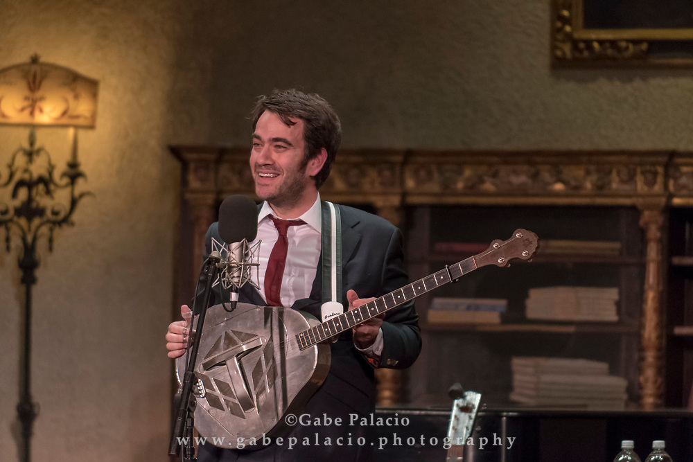 Noam Pikelny performs Roots Music in the Music Room in the Rosen House at Caramoor in Katonah New York on October 21, 2017. <br /> (photo by Gabe Palacio)