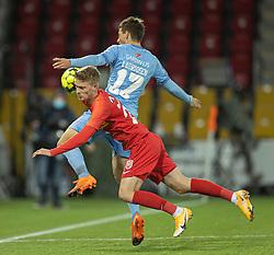 Joachim Rothmann (FC Nordsjælland) og Jesper Lauridsen (Randers FC) under kampen i 3F Superligaen mellem FC Nordsjælland og Randers FC den 19. oktober 2020 i Right to Dream Park, Farum (Foto: Claus Birch).