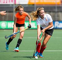 AMSTELVEEN - NK Schoolhockey. Finale Meisjes Oud, tussen Thorbecke Rotterdam en Scala College (Alphen a/d Rijn). Thorbecke (oranje shirt)  wint de titel. COPYRIGHT KOEN SUYK