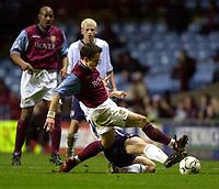 Fotball. Worthington Cup. 04.12.2002.<br /> Aston Villa v Preston.<br /> Øyvind Leonhardsen, Villa.<br /> Foto: Richard Lane, Digitalsport