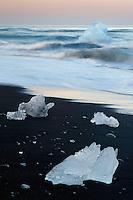 11.06.2008.Glacier ice laying on the sea shore.öræfi, Iceland