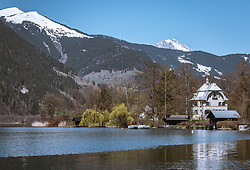THEMENBILD - eine Villa am Ostufer des Zeller Sees, aufgenommen am 20. April 2019, Zell am See, Österreich // a villa on the eastern shore of the Zeller lake on 2019/04/20, Zell am See, Austria. EXPA Pictures © 2019, PhotoCredit: EXPA/ Stefanie Oberhauser