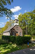 05-05-2020: De Hoeve, Weststellingwerf - Kerkje, sinds 2005 kunstatelier, gebouwd in 1921/1922