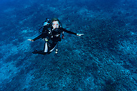 Sylvia poses on Reef dive seychelles