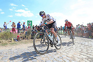 Christopher Froome (GBR - Team Sky) on the cobbles of sector 3 during the 105th Tour de France 2018, Stage 9, Arras Citadelle - Roubaix (156,5km) on July 15th, 2018 - Photo George Deswijzen / Proshots / ProSportsImages / DPPI