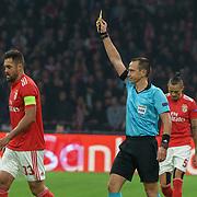 NLD/Amsterdam/20181023 - Champions Leaguewedstrijd  Ajax - SL Benfica, gele kaart voor nr.33 Jardel