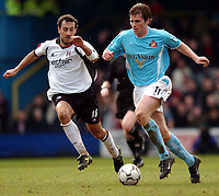 Photo. Javier Garcia<br />01/03/2003 Fulham v Sunderland, FA Barclaycard Premiership, Loftus Road<br />Sunderland's Kevin Kilbane, left, gets away from Sylvain Legwinski