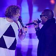 NLD/Hilversum/20120120 - Finale the Voice of Holland 2012, optreden Paul Turner en Taio Cruz
