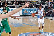 DESCRIZIONE : Avellino Lega A 2015-16 Sidigas Avellino Banco di Sardegna Sassari<br /> GIOCATORE : MarQuez Haynes<br /> CATEGORIA : palleggio<br /> SQUADRA : Banco di Sardegna Sassari<br /> EVENTO : Campionato Lega A 2015-2016 <br /> GARA : Sidigas Avellino Banco di Sardegna Sassari<br /> DATA : 09/11/2015<br /> SPORT : Pallacanestro <br /> AUTORE : Agenzia Ciamillo-Castoria/A. De Lise <br /> Galleria : Lega Basket A 2015-2016 <br /> Fotonotizia : Avellino Lega A 2015-16 Sidigas Avellino Banco di Sardegna Sassari