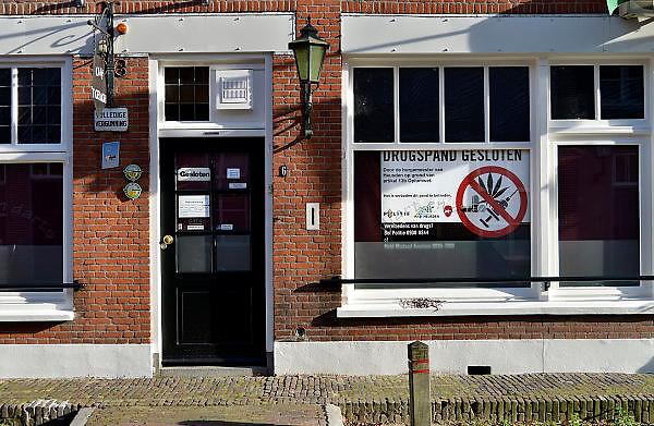 Nederland, Heusden, 18-10-2014Een door de gemeente gesloen coffeeshop in dit brabantse stadje.FOTO: FLIP FRANSSEN/ HOLLANDSE HOOGTE