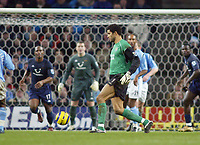 11/12/2004 - FA Barclays Premiership - Manchester City v Tottenham Hotspur - The City of Manchester Stadium.<br />In desperation, Manchester City's goalkeeper David James goes up the field try and help force a equalizer against Tottenham Hotspur.<br />Photo:Jed Leicester/Back Page Images