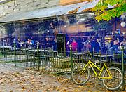 Krakowskie Planty, kawiarnia przed Bunkrem Sztuki, Polska<br /> Cracow Planty, cafe in front of Bunker Sztuki, Poland