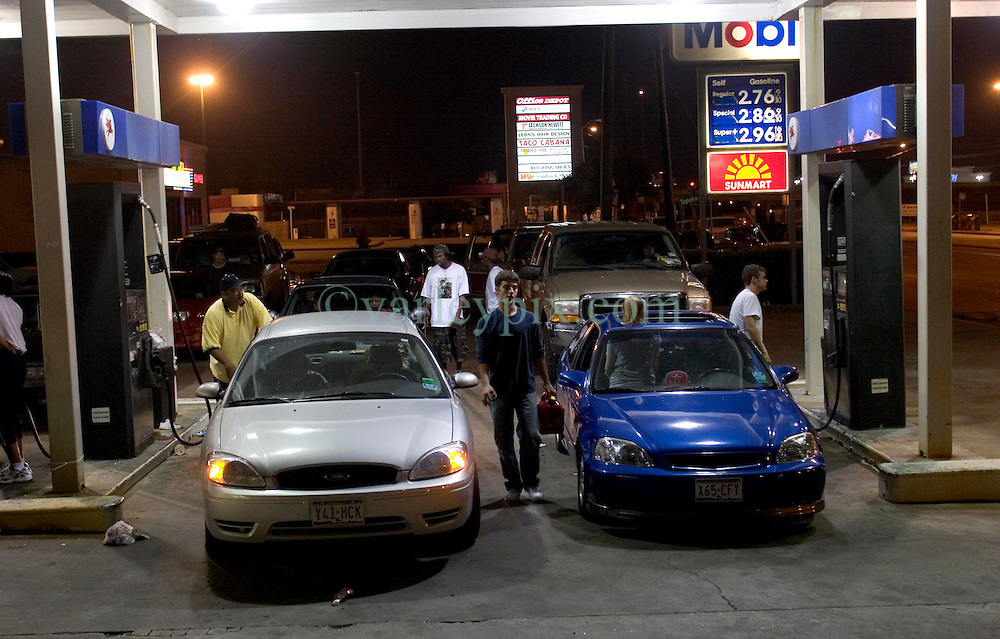 23 Sept 2005. Houston, Texas.  Hurricane Rita evacuation. <br /> <br /> Traffic backs up on Uvalde Road in Houston as drivers waited over two hours to get gasoline as panic buying emptied the pumps all across the region before Hurricane Rita hits. <br /> Photo; ©Charlie Varley/varleypix.com