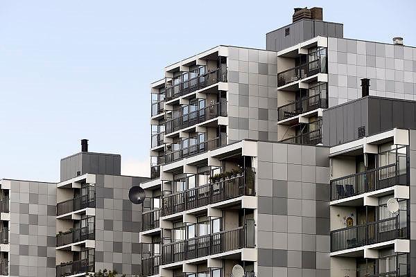 Nederland, Nijmegen, 16-9-2013Flats, maisonnettes uit de jaren 70, zijn gerenoveerd door woningbouwvereniging Talis.De wijk Malvert ligt in het stadsdeel Dukenburg, wat een typische stadsuitbreiding was eind jaren 60, begin jaren 70. Hoogbouw gecombineerd met laagbouw.Foto: Flip Franssen/Hollandse Hoogte