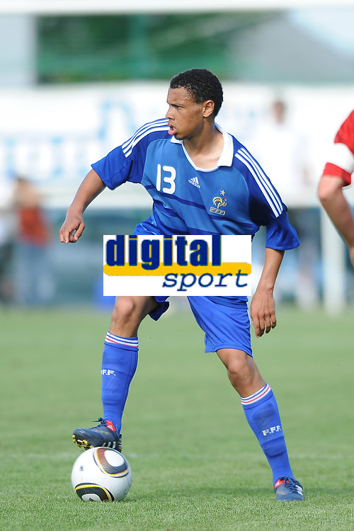 FOOTBALL - FRIENDLY GAME 2010/2011 - EA GUINGAMP v FRANCE U19 - 04/07/2010 - PHOTO PASCAL ALLEE / DPPI - Francis COQUELIN (FRA)