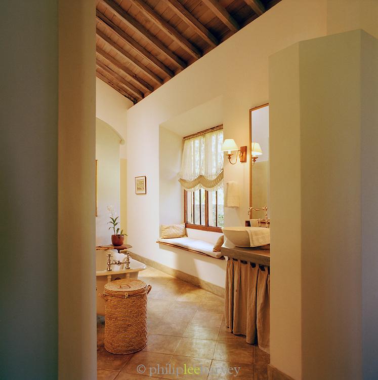 Bathroom at Doornberg Villa Galle, Sri Lanka