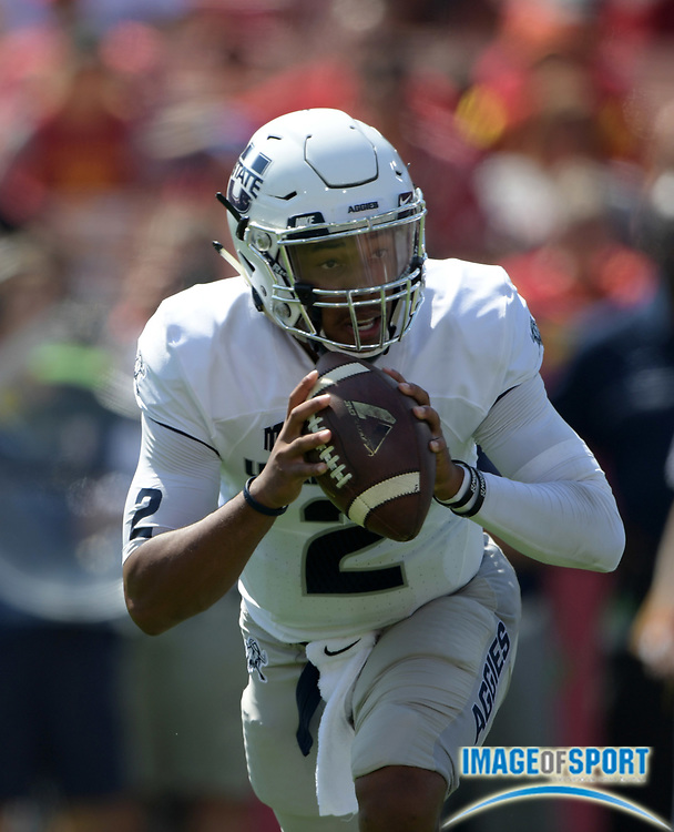 Sep 10, 2016; Los Angeles, CA, USA; Utah State Aggies quarterback Kent Myers (2) throws a pass against the USC Trojans during a NCAA football game at Los Angeles Memorial Coliseum.