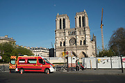 """April, 4th 2020 - Paris, Ile-de-France, France: Isolation in Paris in the hope of protecting themselves from the spread of the Coronavirus, during the first month of near total lockdown imposed in France. A week after President of France, Emmanuel Macron, said the citizens must stay at home for at least 15 days, that has been extended. He said """"We are at war, a public health war, certainly but we are at war, against an invisible and elusive enemy"""". All journeys outside the home unless justified for essential professional or health reasons are outlawed. Anyone flouting the new regulations is fined. Nigel Dickinson"""