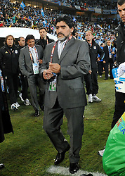 22.06.2010, Peter Mokaba Stadium, Polokwane, RSA, FIFA WM 2010, Greece (GRE) vs Argentina (ARG), im Bild Diego Armando Maradona, Headcoach ofArgentina. EXPA Pictures © 2010, PhotoCredit: EXPA/ InsideFoto/ Giorgio Perottino +++ for AUT and SLO only +++ / SPORTIDA PHOTO AGENCY