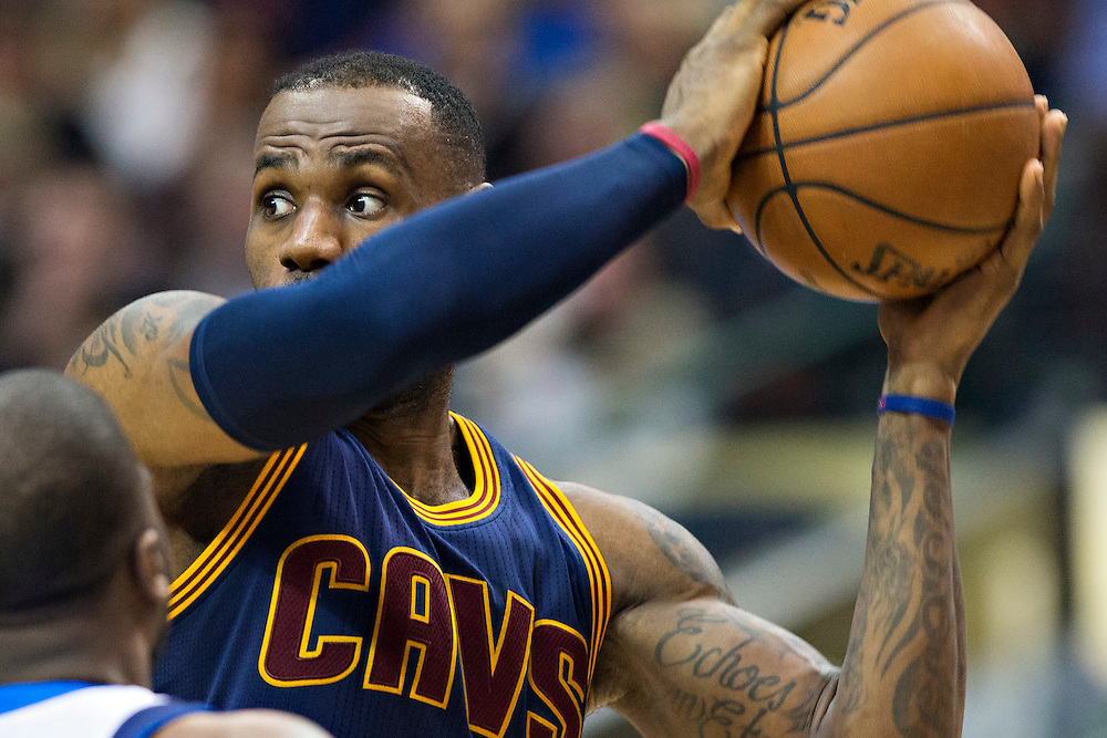 DALLAS, TX - JANUARY 12:  Lebron James #23 of the Cleveland Cavaliers looks to make a pass during a game against the Dallas Mavericks at American Airlines Center on January 12, 2016 in Dallas, Texas.  NOTE TO USER: User expressly acknowledges and agrees that, by downloading and or using this photograph, User is consenting to the terms and conditions of the Getty Images License Agreement.  The Cavaliers defeated the Mavericks 110-107.  (Photo by Wesley Hitt/Getty Images) *** Local Caption *** Lebron James