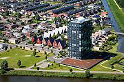 Nederland, Flevoland, Almere, 14-07-2008; Almere Buiten, Eilandenbuurt; woontoren Panoramique te midden van eengezinswoningen; appartementen, flat, hoogbouw. .luchtfoto (toeslag); aerial photo (additional fee required); .foto Siebe Swart / photo Siebe Swart