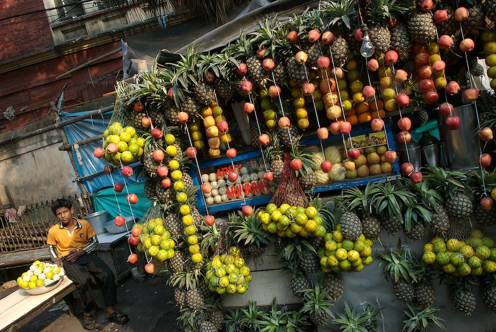 A decorated juice stall, Kolkata January 2007