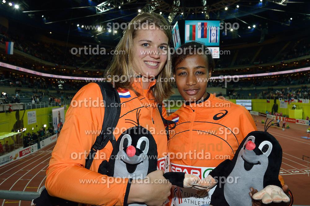 08-03-2015 CZE: European Athletics Indoor Championships, Prague<br /> Dafne Schippers en Sifan Hassan pakken goud op het EK indoor