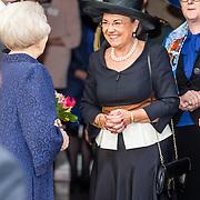 NLD/Apeldoorn//20170322 - Beatrix opent hoedententoonstelling Chapeaux in Paleis 't Loo, Prinses Beatrix en Gerdi Verbeet
