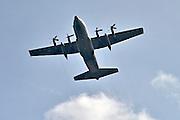 Nederland, Ubbergen, 3-5-2013Een Hercules transportvliegtuig van de nederlandse koninklijke luchtmacht, klu, vliegt laag over.Foto: Flip Franssen/Hollandse Hoogte