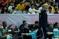 28-08-2010 VOLLEYBAL: WGP FINAL CHINA - USA: BEILUN NINGBO<br /> USA power beat China in straight sets / Hugh McCutcheon<br /> ©2010-WWW.FOTOHOOGENDOORN.NL