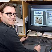 NLD/Huizen/20060228 - Striptekenaar Pieter Hogenbirk uit Huizen genomineerd voor de Parool Stripprijs