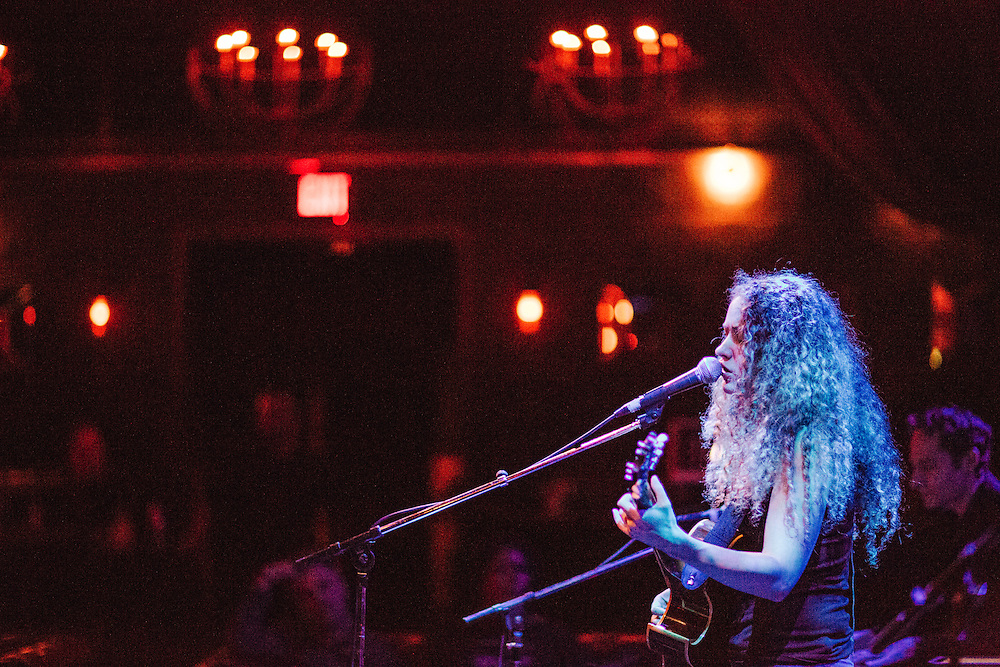 LOS ANGELES, CA - OCTOBER 30: Australian musician Tal Wilkenfeld performs at the Sayer's Club on October 30, 2015 in Los Angeles, California. (PHOTO CREDIT: EricMTownsend.com)