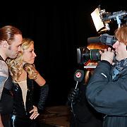 NLD/Utrecht/20110126 - Perspresentatie Sterren Dansen op het IJs 2011, Vivian Reijs en Nick Keagan worden geinterviewd door SBS Shownieuws