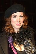 La Vie en Rose in première in theater Tuschinski, Amsterdam. De film kreeg haar wereldpremière als openingsfilm van het prestigieuze Filmfestival van Berlijn.EEn film over het bewogen en gepassioneerde levensverhaal van Edith Piaf.<br /> <br /> Op de foto: