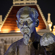 Part of the statue of Uncle Ho (Ho Chi Minh) in central Saigon in front of city hall. Ho Chi Minh City Hall was built in the early 20th Century by the French colonial government as Saigon's city hall. It's also known as Ho Chi Minh City People's Committee Head office, in French as Hôtel de Ville de Saigon, and in Vietnamese as Tr? s? ?y ban Nhân dân Thành ph? H? Chí Minh.